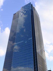 X100F ビル