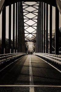橋(モノクロ)