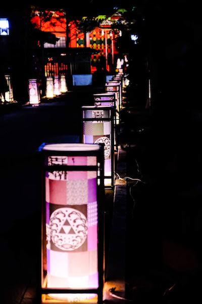 [写真日記]江ノ島 灯籠とひまわり(シルエット)